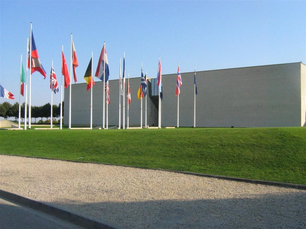 Mémorial de Caen à 1h