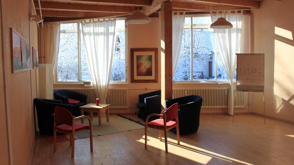 Raum für die Gesprächstherapie im Werkstattgebäude