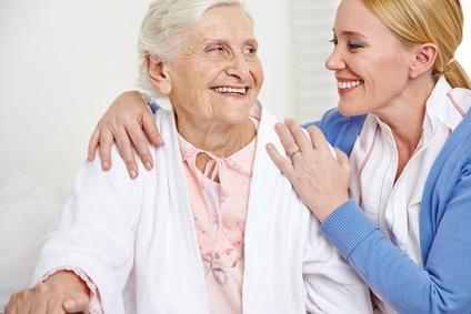 Wir bieten 24 Stunden Pflege in Ihrem Zuhause an, damit es Ihnen gut geht