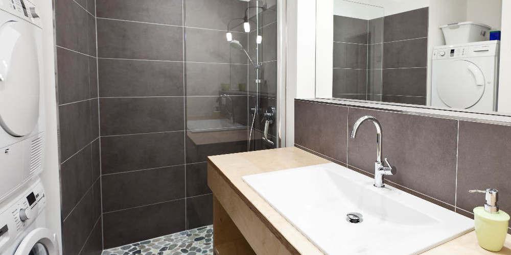 Badezimmer, Dusche, WC,