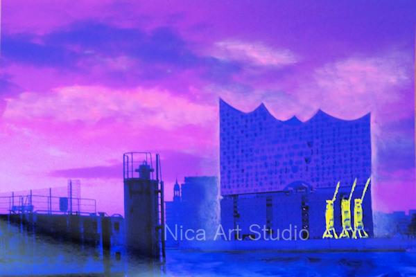 Lila Elbphilharmonie mit gelb, 2019, 30 x 20 cm, Fotografie mit Ölfarbe