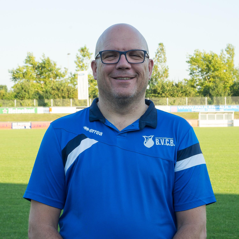 Ron van Ginneken-Assistent scheidsrechter