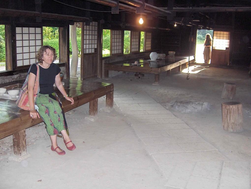 2008, avec Véronique Bogaert, dans l'atelier de Shoji Hamada à Mashiko