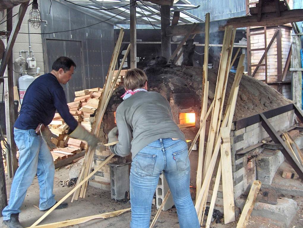 2008 cuisson du four Haikaburi, Goshogawara (Japon)