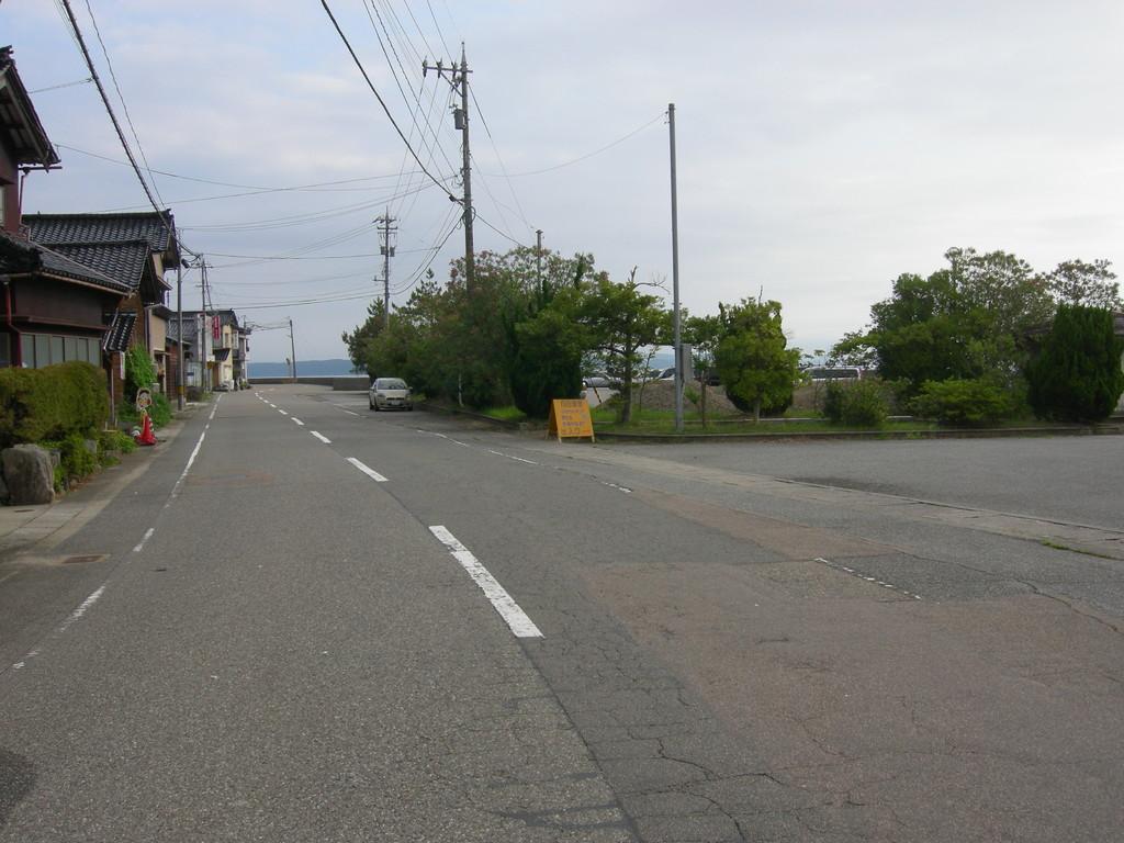 向田漁港の看板が右に見えてきました
