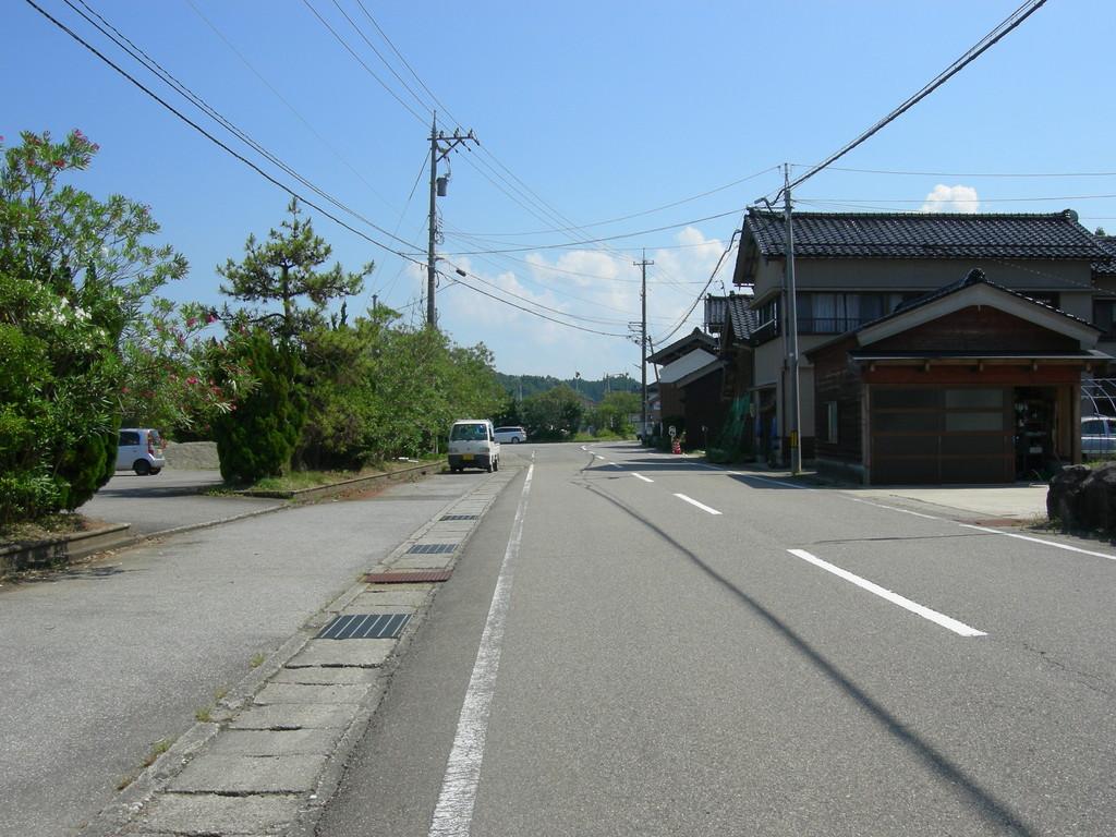 向田漁港前 左折