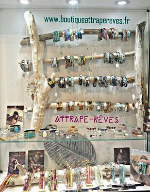 www.boutiqueattrapereves.fr attrape rêves pegomas boutique eshop boho hippie gypset rock ethnic fashion mode bijoux cote d'azur bohémian hipanema amenapih t'as vu la vierge zag lou even by jaia barbara haug gypsy kiss cluse mishky kollectionneur