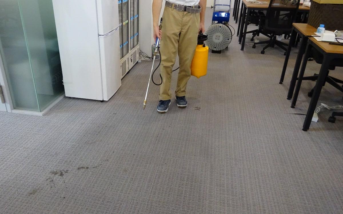 横浜市の企業様 広い事務所のカーペットクリーニング