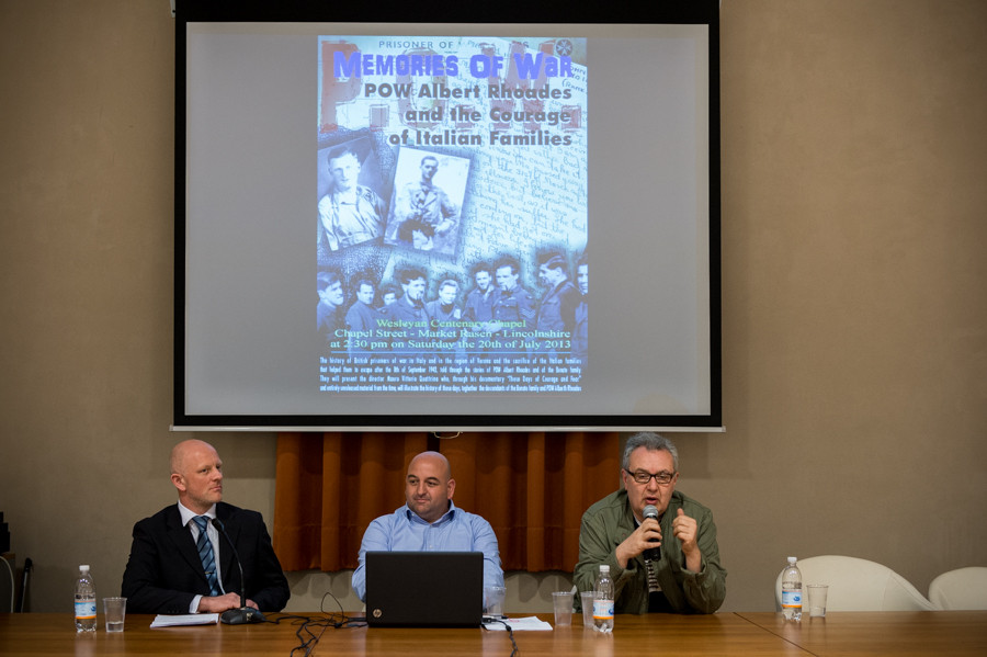"Sala Conferenze del Comune di Zevio (VR) Conferenza ""Memories of war - Pow Albert Rhoades and the courage of Italian families"" ""Memorie di guerra - Prigioniero Albert Rhoades e il coraggio delle familie italiane"" tenuta dal regista Mauro Vittorio Quattrin"