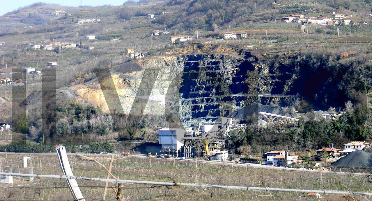 Questa e' la cava dove era stato allestito il campo di prigionia dove i P.G. lavoravano all'estrazione delle pietre