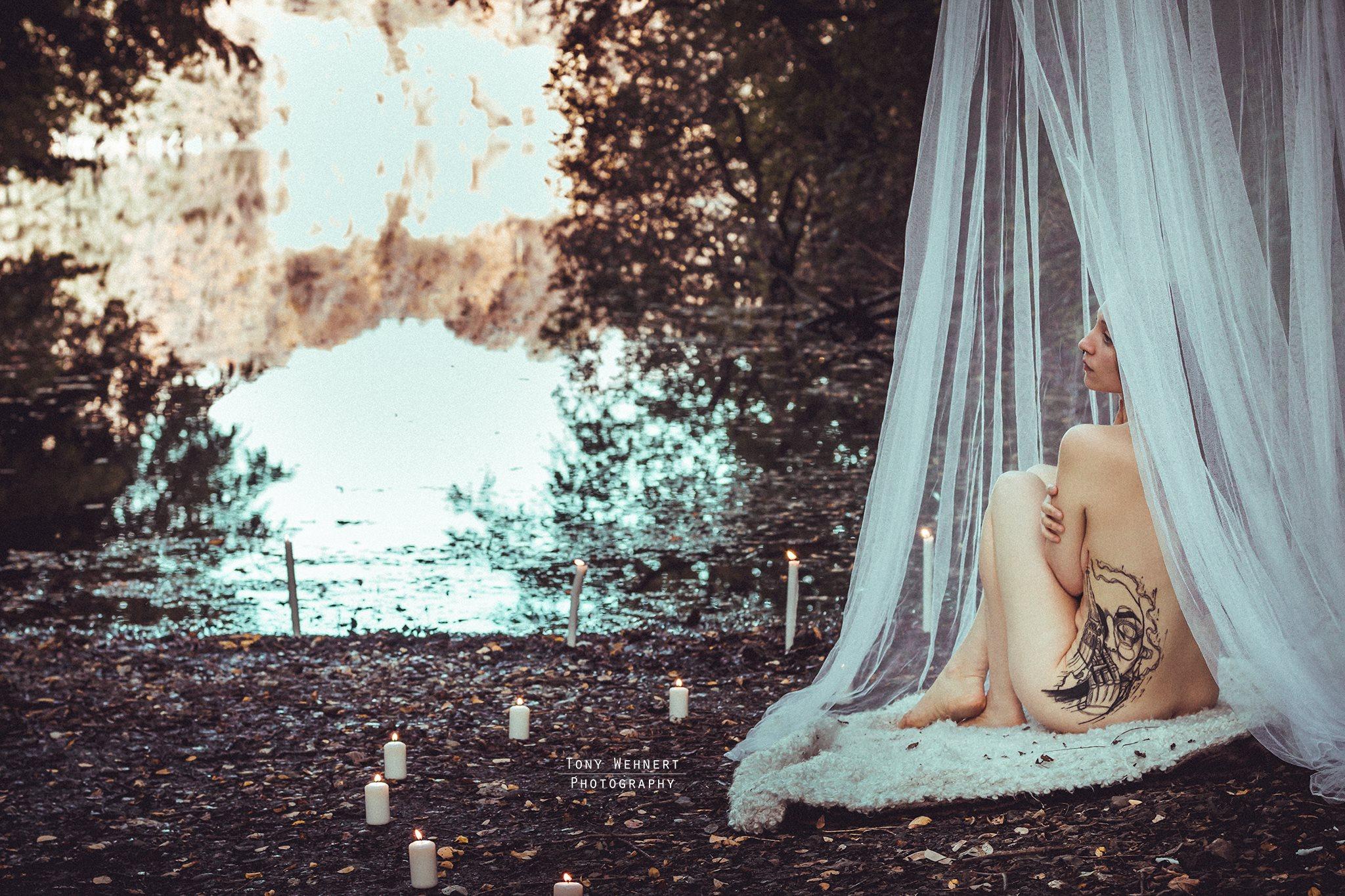 romantisches Akt foto am wasser