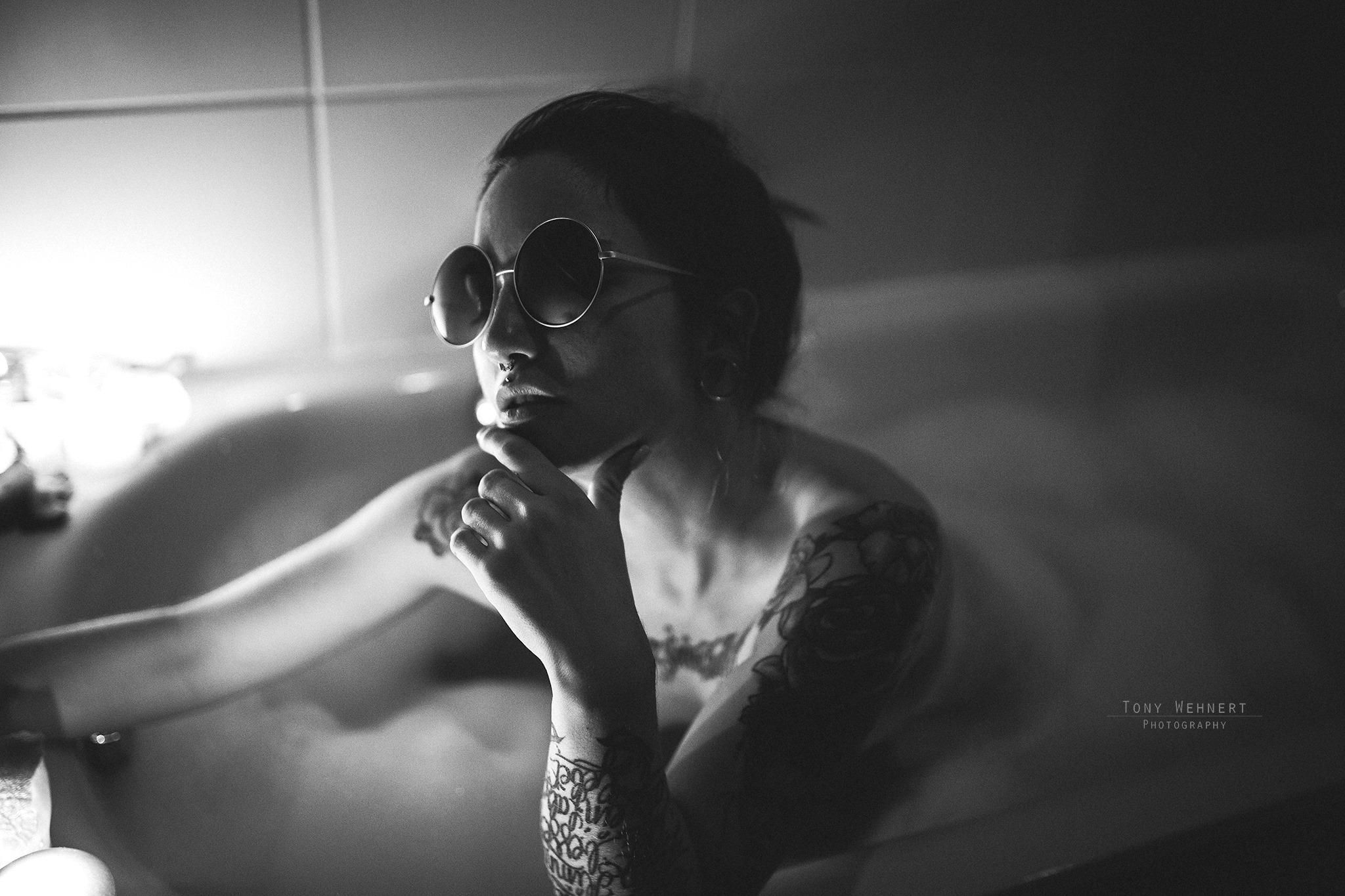erotische Fotografie in der Badewanne