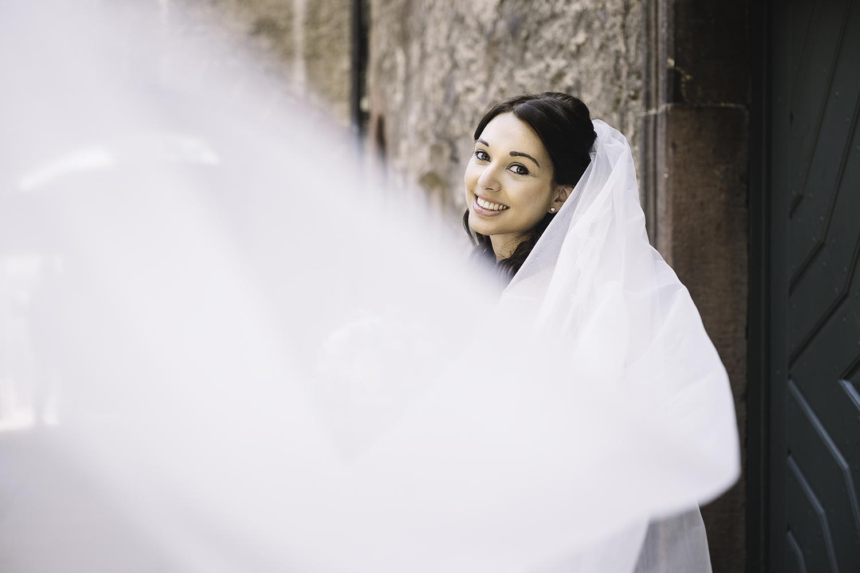 Brautportrait mit langem Schleier