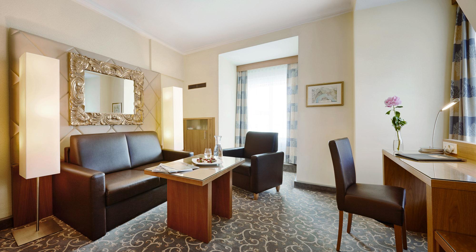 Wohnraum einer Suite: Zusatzbett Aufpreis pro Nacht € 21,25