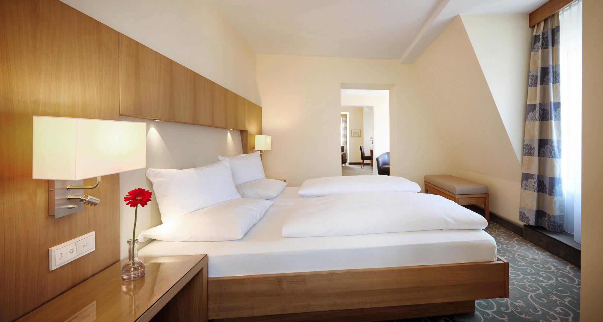 Schlafbereich Suite: 2 Personen ab € 191,50 pro Nacht inklusive Frühstück