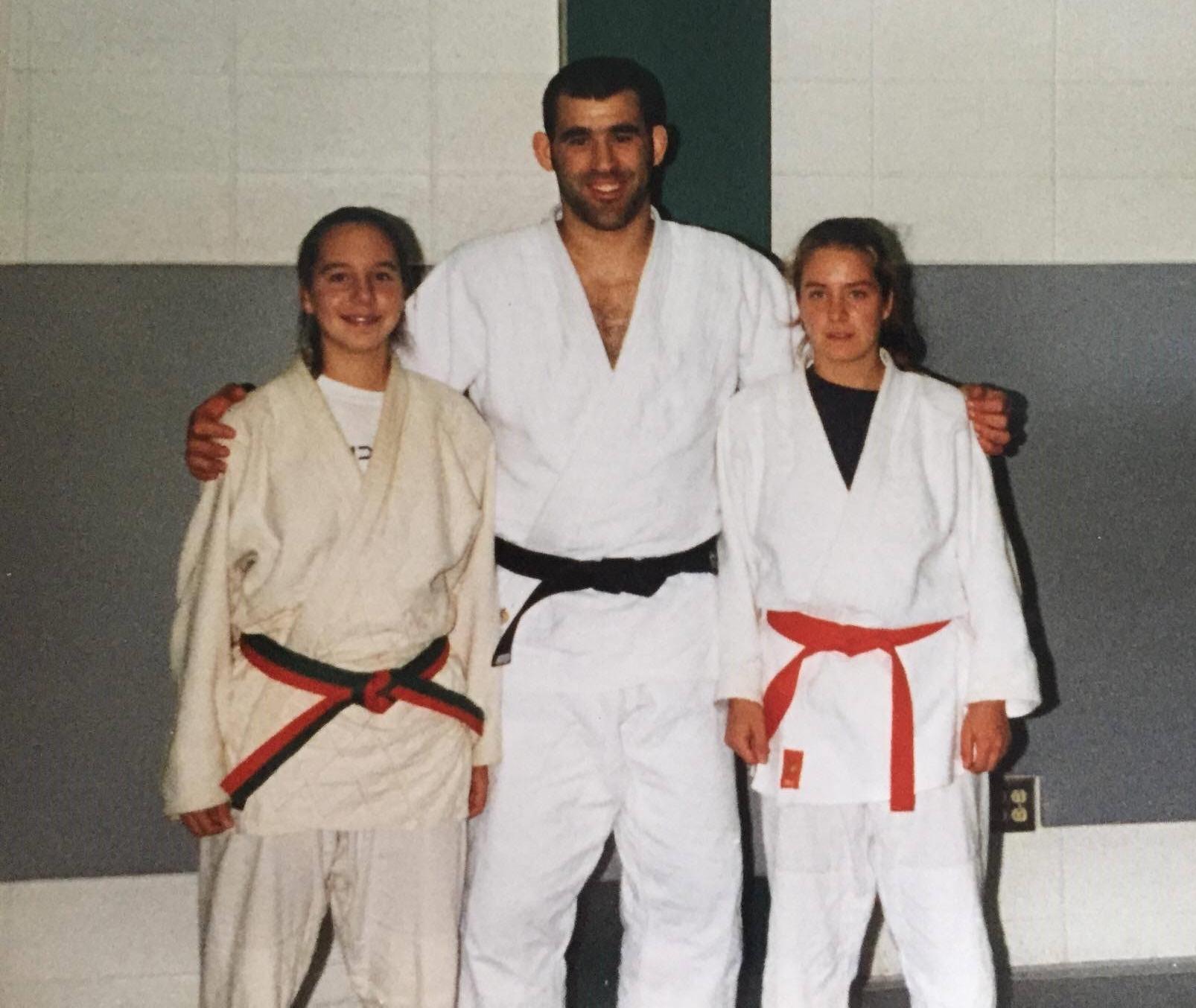 Maryse Tessier, Nicolas Gill et Jessie Caron (2 étudiantes de la première cohorte sport-études Judo)