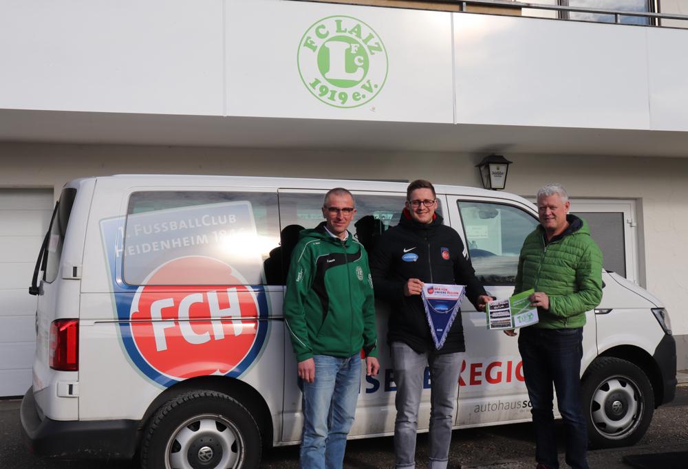 Martin Bürger (Public Relation & Marketing) vom FCH gemeinsam mit der Jugendleitung des FC Laiz