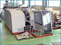クレーンの運転席と機械室