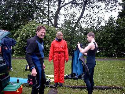 Übungsleiter Jörg Petersohn konnte über die Temperaturen in seinem Trockenanzug nur lächeln.