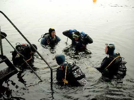 Taucheinstieg am Wambachsee - hier sollte unser Ernst des Taucherlebens beginnen....