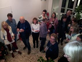 große Anzahl an Teilnehmern bei alljährlichen Weihnachtsumtrunk