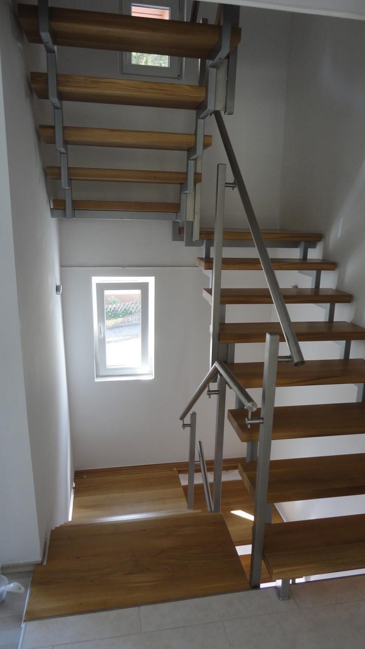 Treppe / Eiche massiv