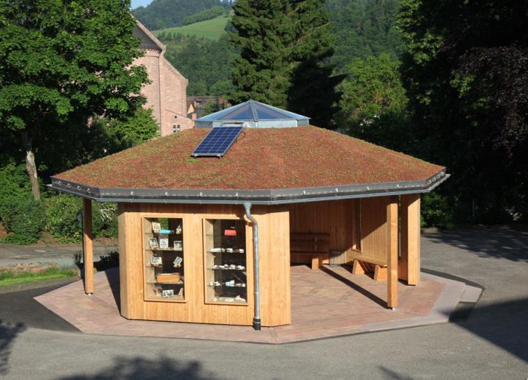 Naturklassenzimmer mit begrüntem Dach