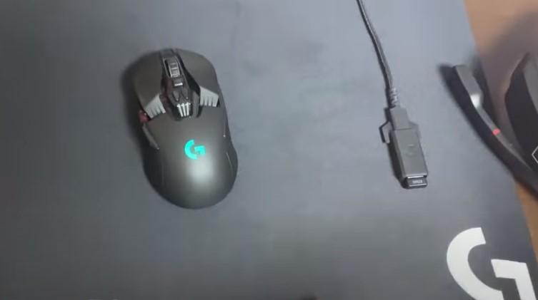 ネフライト使用 マウス、マウスパッド