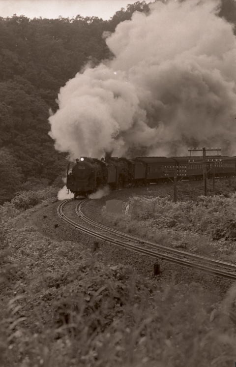 C6232+C623号機牽引の103レ 函館本線熱郛~上目名 1969.8.2 Orchidplace氏撮影