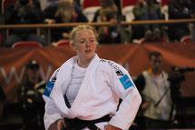Naomi van Krevel in actie tijdens Europese Senior Kampioenschappen Judo in Lissabon.
