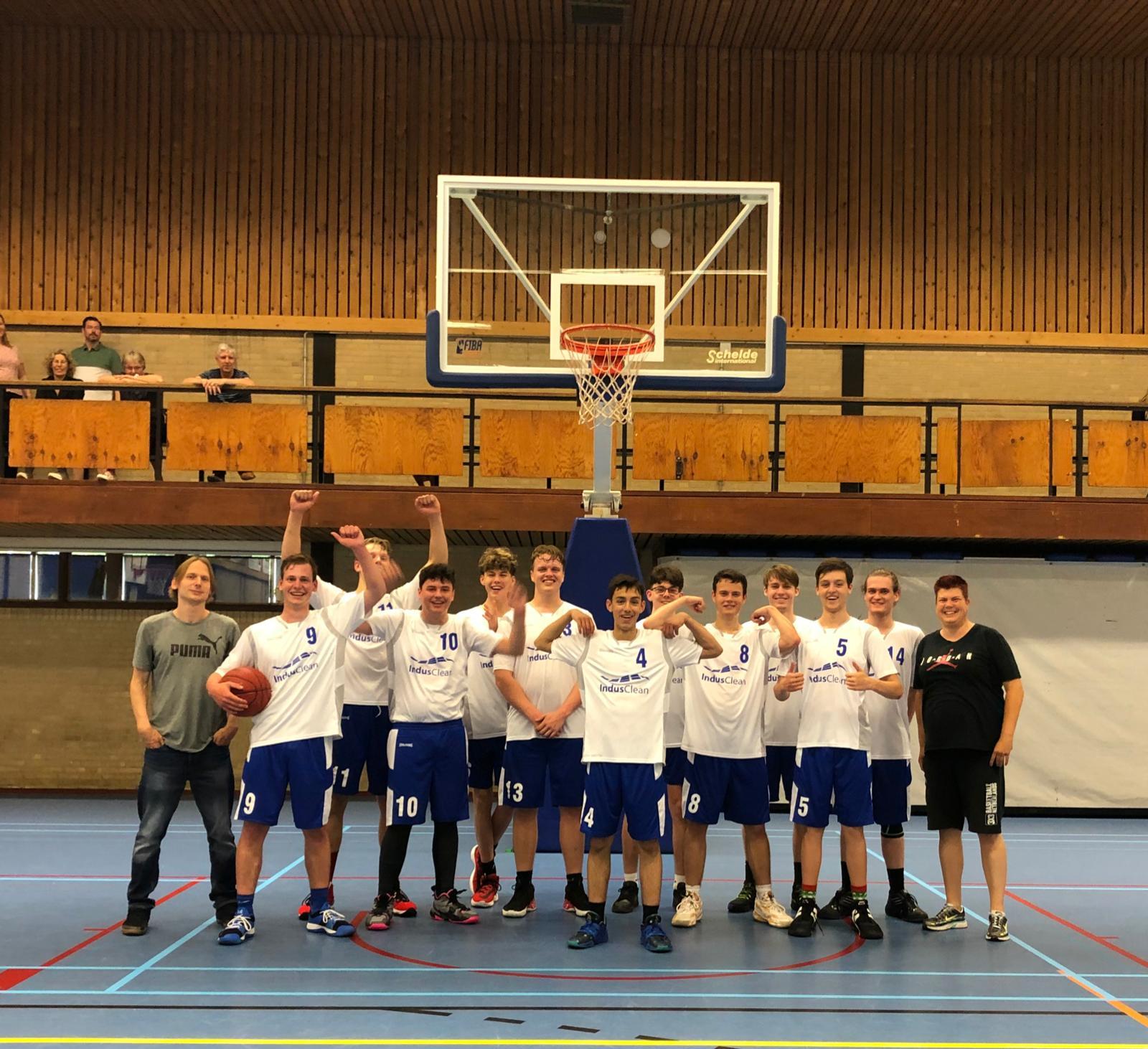 BV Voorne M20 wint oefenwedstrijd in Barendrecht met 56-75!