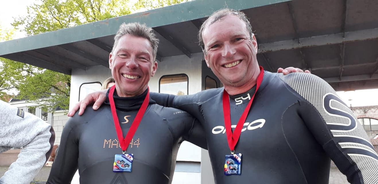 Ronald van der Graaf en Jan Pieter Borst zwommen in 12 uur en 58 minuten Het Kanaal over.