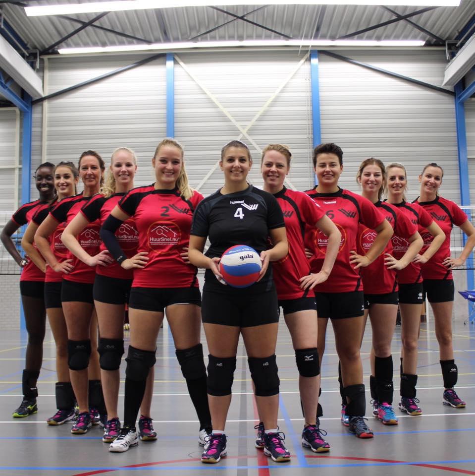 Volley Voorne Dames 1 beginnen met een mooie overwinning in de 1e klasse.