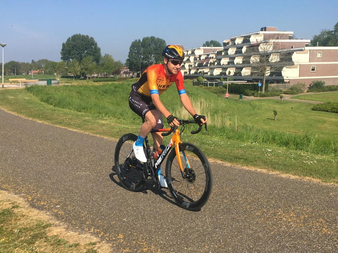 Kevin Inkelaar aan de start in Italië.