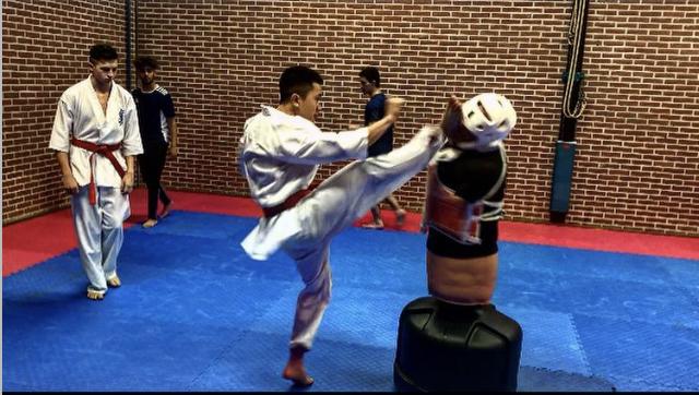 Kyokushin Fight Academy opent haar deuren.
