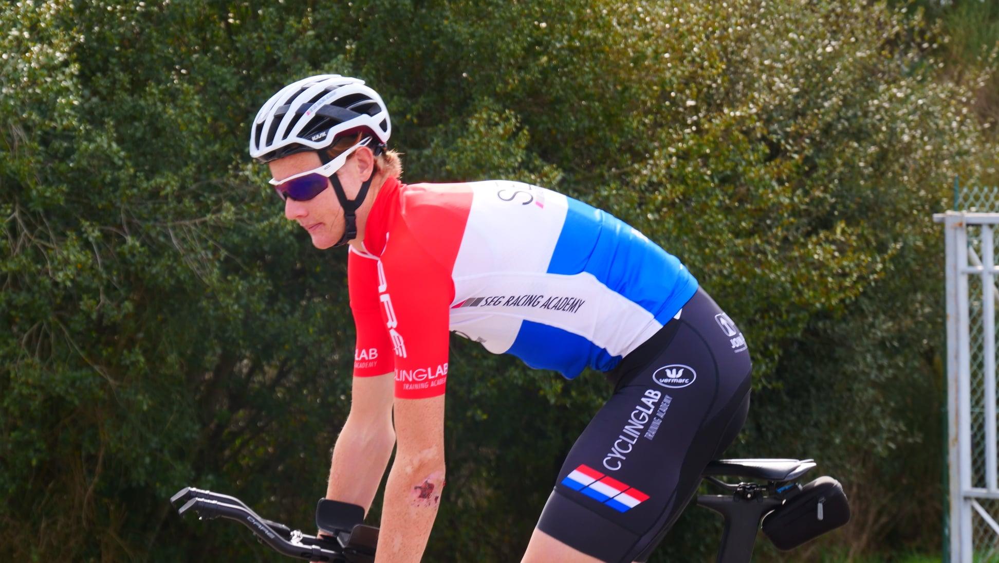 Daan Hoole in vorm uit de startblokken voorjaars wielerwedstrijden.