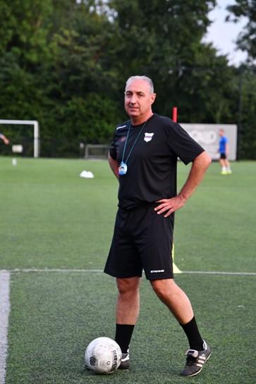 Paasinterview SC Botlek met trainer John Stougje.