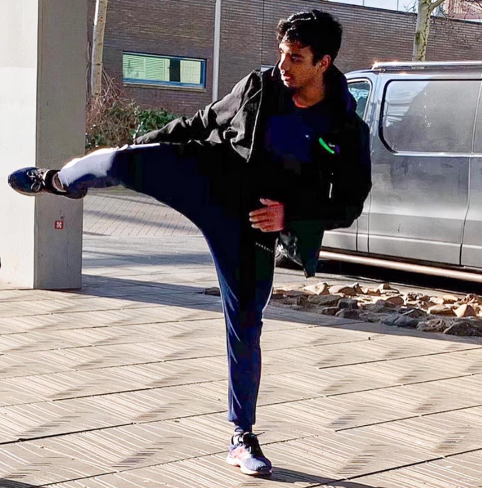 Karate Wereld Jeugdtopper Vijay Nanhoe in de radio-uitzending van zaterdag 13 februari 2021.