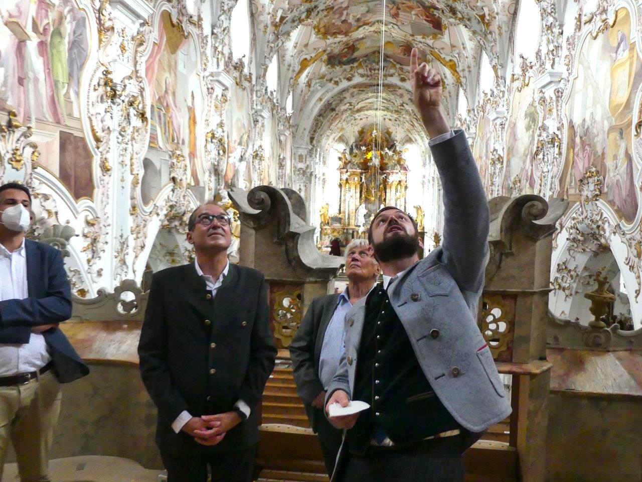 Alexander Dobrindt besucht die Freywis Orgel