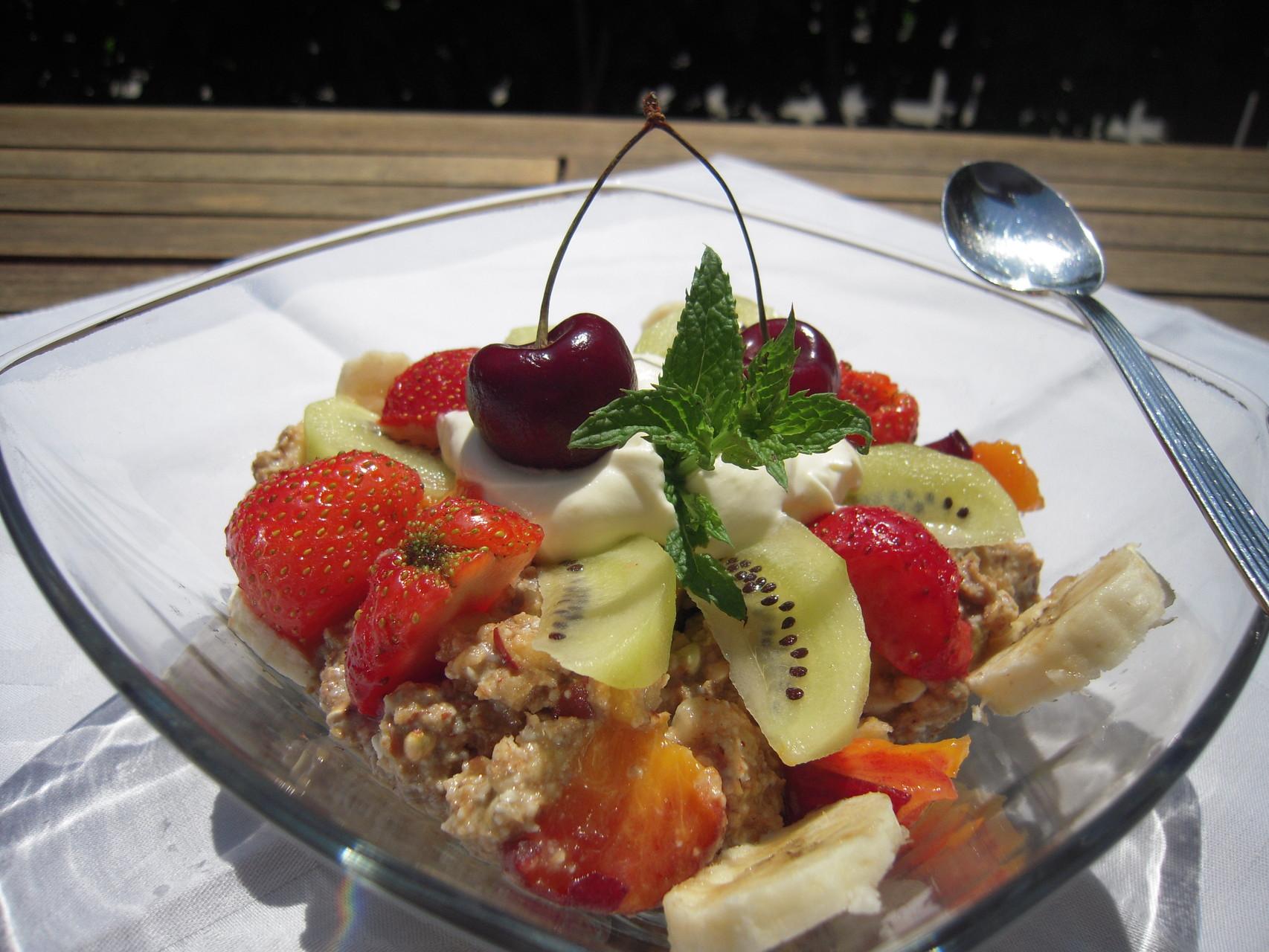 Getreide-Obst-Frischkost