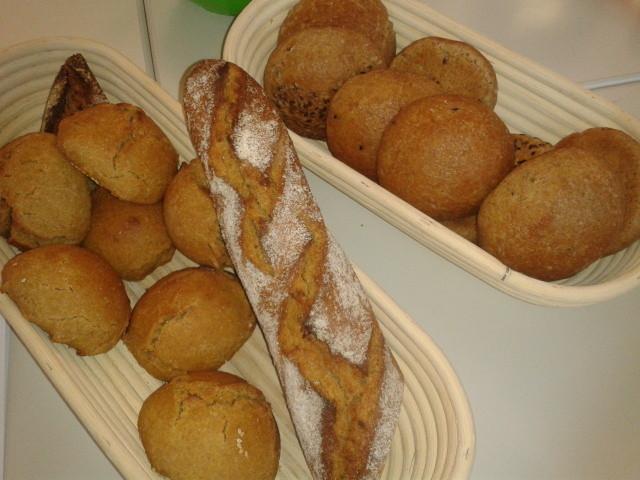 Kamut-Brötchen und Baguette
