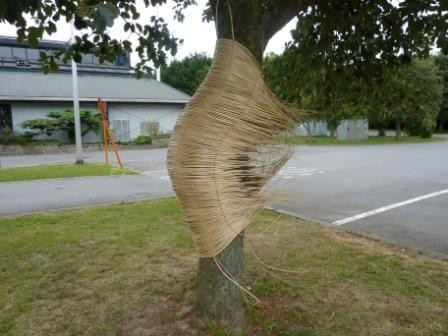 """""""Panier-l'arbre"""", osier blanc et fil de cuivre"""