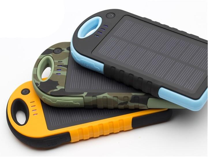 batterie solaire 12000mah la high tech tendance au. Black Bedroom Furniture Sets. Home Design Ideas