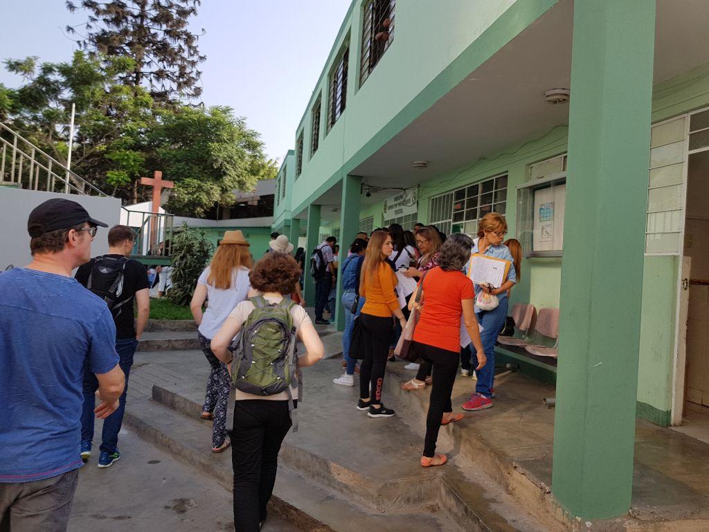 Mit uns und einigen Mitmissionaren sind hier auch viele Venezuelaner.