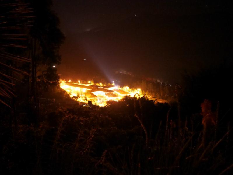 Das Krankenhaus bei Nacht - Ein in Licht in der Dunkelheit für Curahuasi und die ganze Region.