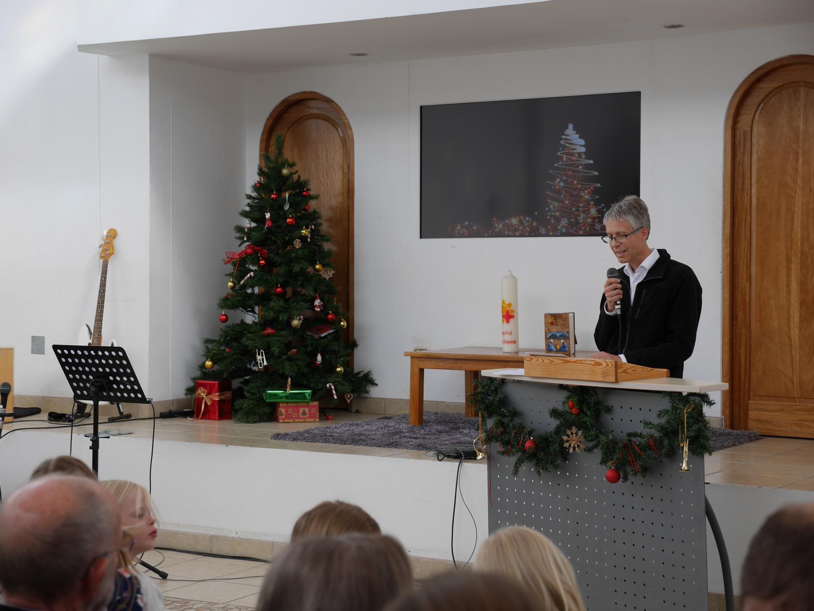 Werner wurde gefragt, ob er im Weihnachtsgottesdienst die Predigt halten würde.