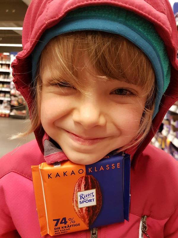 Und im Laden in Deutschland begegnet uns Schokolade aus Peru ;-).