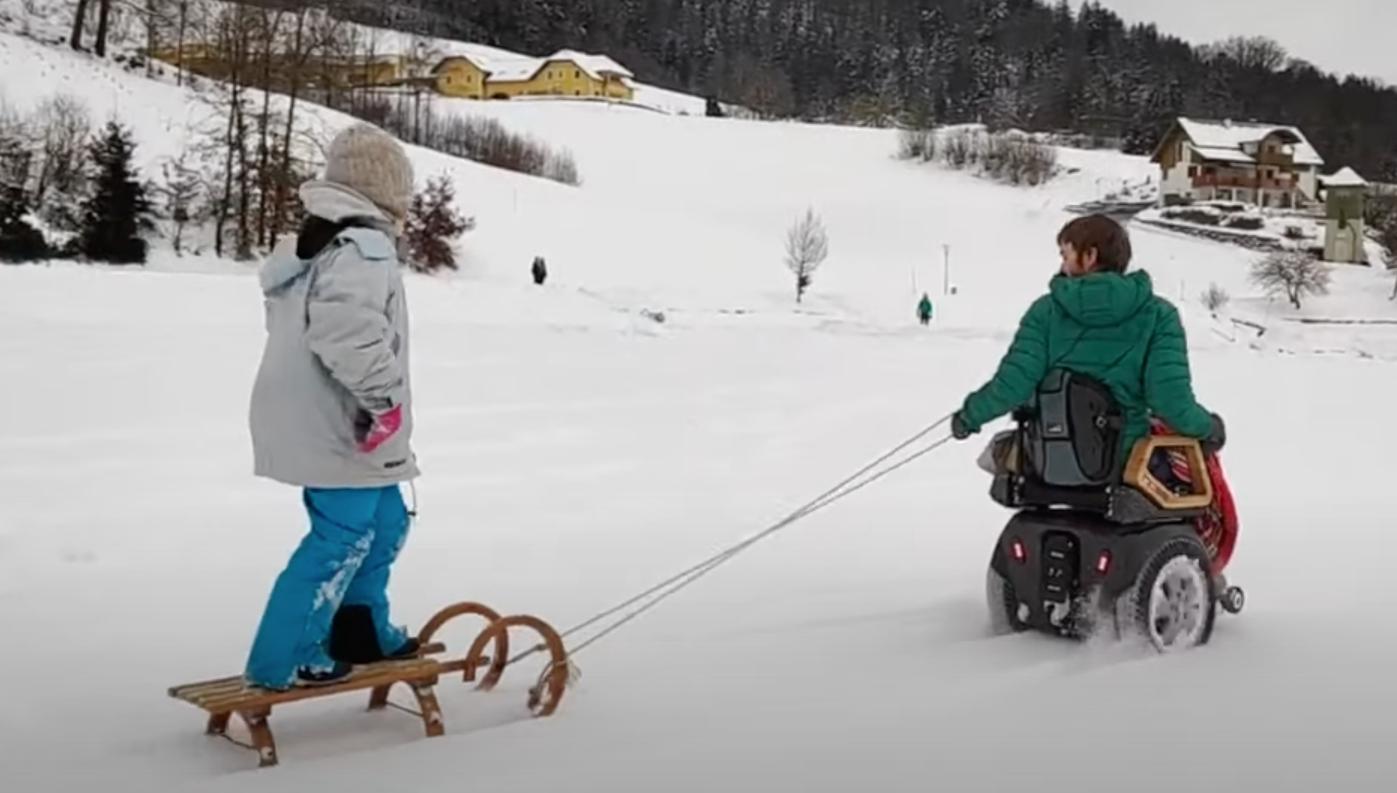 Video: Beste Rollstuhl Entwicklung Hoss