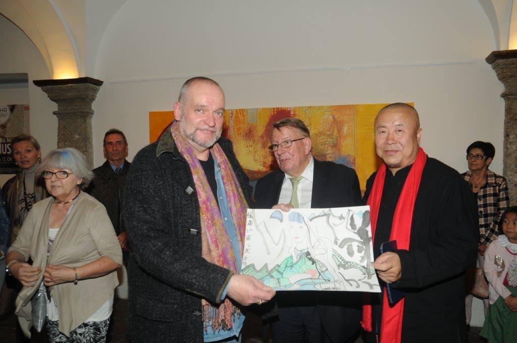 Mag. Nanna Peter, Dr. Anton Gugg, Ernst Flatscher, Chin. Gastaussteller