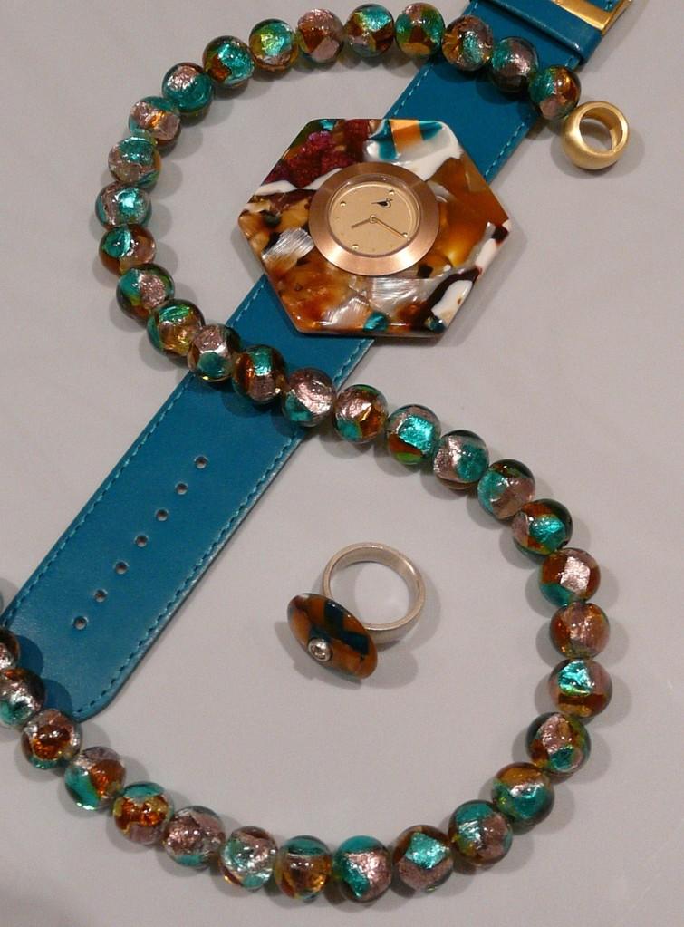 Schmuckset aus Muranoglaskette, Uhr und Ring mit Acetatscheibe
